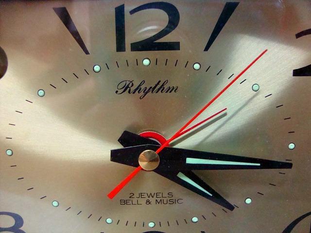 Παλιό ρολόι επιτραπέζιο   Rhythm  με μουσικό ξυπνητήρι a49203f889a